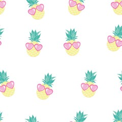 Cute seamless print with pineapples