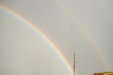 arco iris tormenta de verano