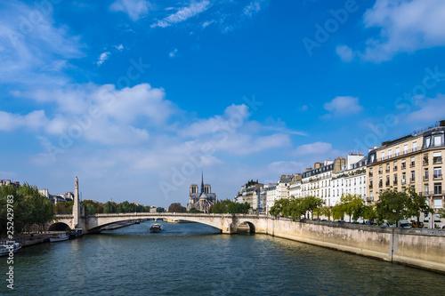 mata magnetyczna Blick über die Seine in Paris, Frankreich