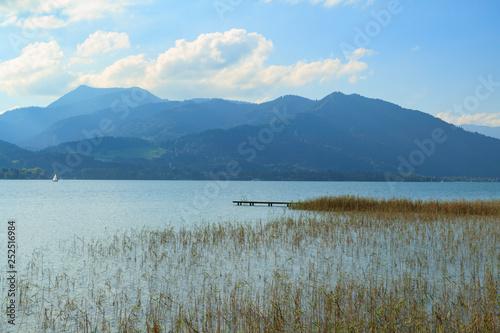 Acrylglas Pier panoramic view of a mountain lake