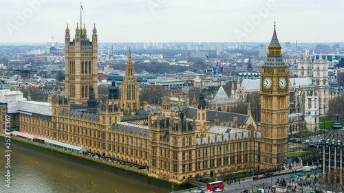 obraz lub plakat 3917_The_back_view_of_the_Palace_of_Westminster_in_London.jpg