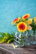 Leinwanddruck Bild - Leuchtend gelbe Gerbera