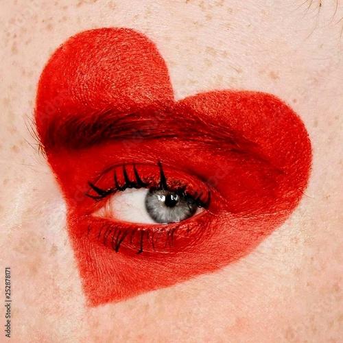heart - eye - 252878171