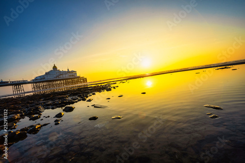 obraz PCV Pier at sunrise