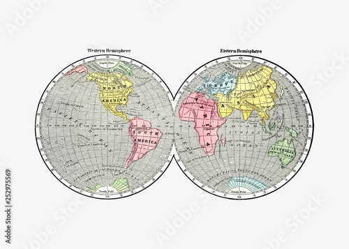 Antique world map drawing © Rawpixel.com