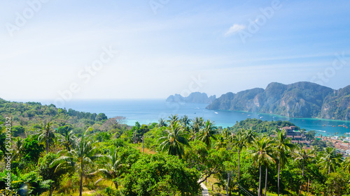 Leinwanddruck Bild phi phi island andaman sea point view