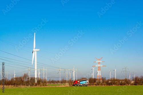 Leinwandbild Motiv Neubau einer Hochspannungstrasse um die im Offshore-Bereich der Nordsee gewonnnen Windenergie in den Süden Deutschlands leiten zu können.