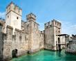 Leinwanddruck Bild - Scaligero Castle, Sirmione Italy