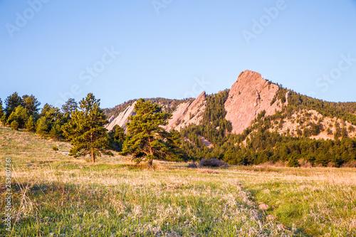 Leinwandbild Motiv Boulder Colorado mountain landscape with Flatirons from Chautauqua Park