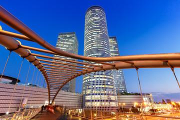 Tel Aviv Azrieli Center Skyline Israel blaue Stunde Nacht nachts Stadt Hochhäuser moderne Architektur