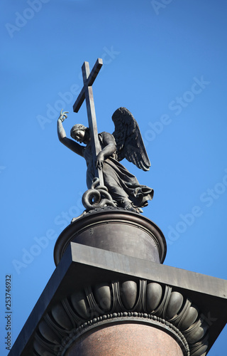 angel with cross on the top Alexander Column - 253746932