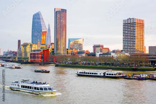 obraz lub plakat Cityscape of London, River Thames