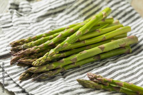 Leinwandbild Motiv Raw Green Organic Asparagus Spears