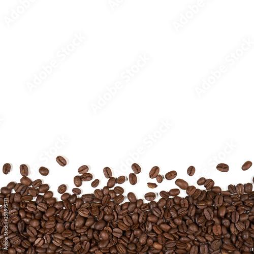 Porozrzucane ziarna kawy © piotrszczepanek