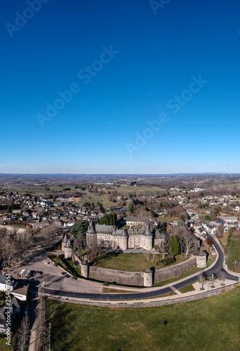 Arnac-Pompadour (Corrèze - France) - Vue aérienne du château