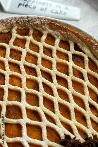 Crostata con marmellata di zucca - 254180930