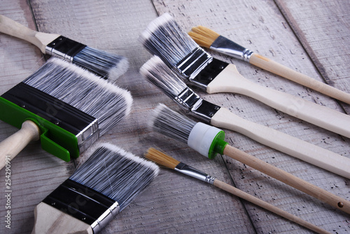 Different kinds of paintbrushes for home decorating purposes