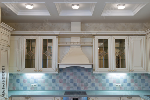 Classic kitchen design - 254595533