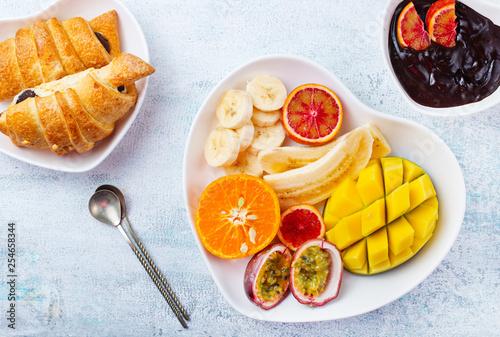 fruits - 254658344