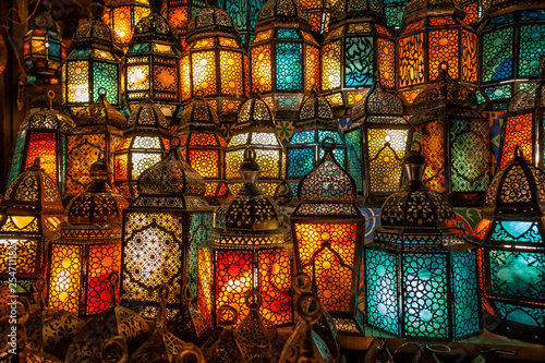 muslim style's lantern shining - 254711182