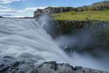 am Wasserfall Dettifoss, Island