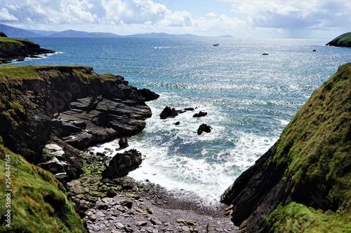 Sur la côte irlandaise - 254847164