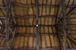 Soffitto in legno di un antica casa - 254963989