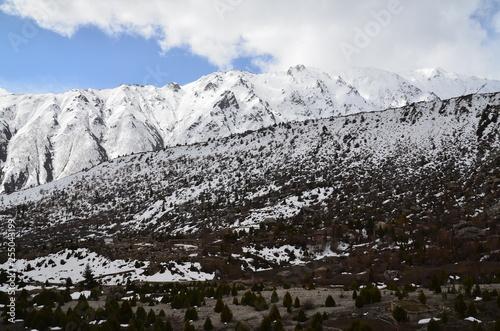 パキスタン 名峰ナンガパルバット近郊の村 タルシンから見た美しい山と空 © koujim30