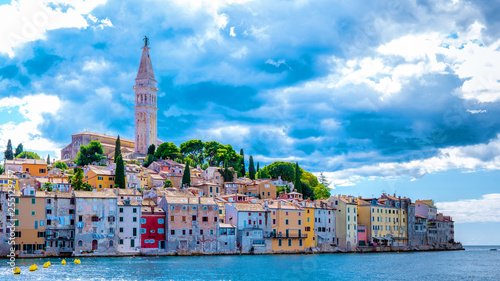 mata magnetyczna Rovinj colorful town Croatia, sunset Rovinj historical town with church and ocean