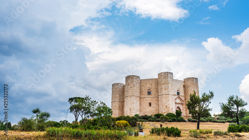 Leinwanddruck Bild Castel del Monte, a 13th century fortress built by the emperor of the Holy Roman Empire, Frederick II. Italy