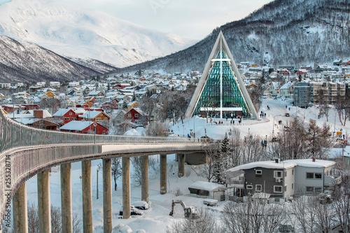 Leinwanddruck Bild Norwegen Tromso Eisbergkathedrale