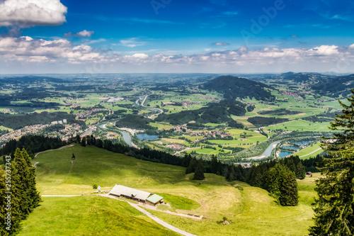 Blick vom Mittagberg Richtung Kempten im Allgäu - 255737343