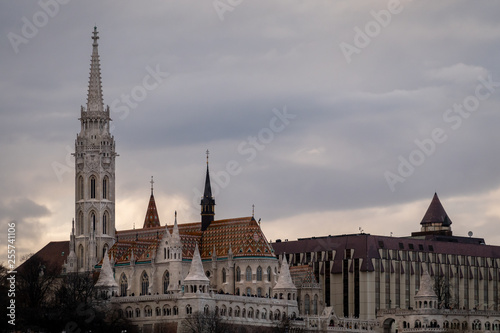obraz lub plakat Church of Mathias and Fisherman bastion in Budapest, Hungary