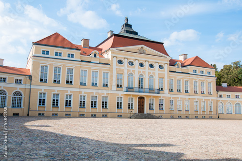 Palace in Rogalin in Poland © bzyxx