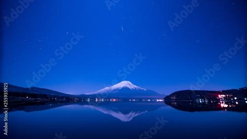 冬の富士山、日本の絶景、霊峰富士、山中湖、富士五湖