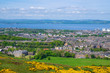 Leinwanddruck Bild - Panorama von Edinburgh mit Holyrood Palace