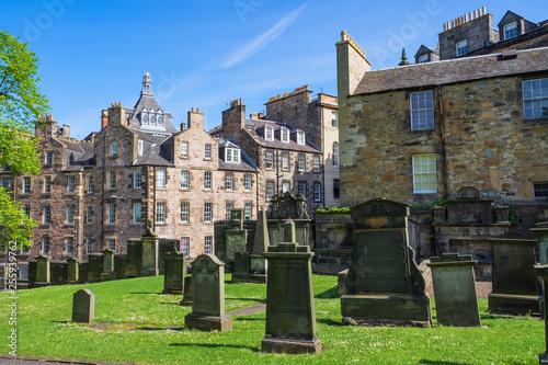 Leinwanddruck Bild Der Friedhof Greyfriars Kirk in Edinburgh