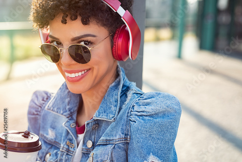 fototapeta na ścianę African urban girl with headphones