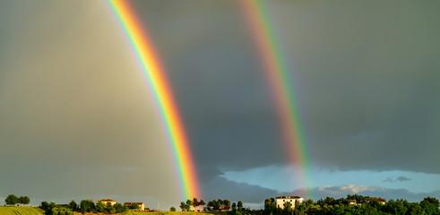 Doppio arcobaleno in primavera