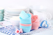 Leinwanddruck Bild - Colorful cupcake cases with kitchen utensils