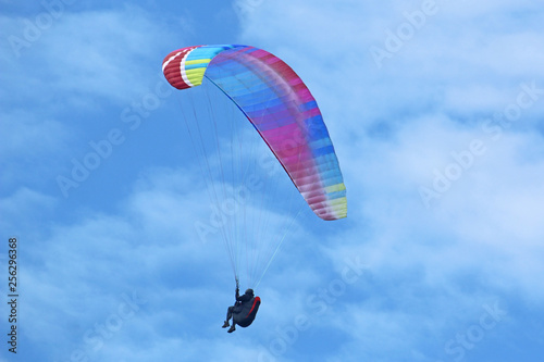 Paraglider flying wing © Jenny Thompson