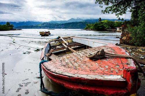 Barcos de pesca abandonados