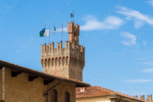 canvas print picture Arezzo ist eine Stadt mit 100 000 Einwohnern in der mittelitalienischen Region Toskana, nordöstlich von Siena. Sie ist Hauptstadt der gleichnamigen Provinz und viertgrößte Stadt der Toskana.