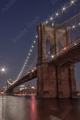 obraz PCV The Brooklyn Bridge at Twilight - New York City