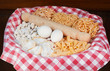 Leinwanddruck Bild - Cestino con uova e pasta fatta in casa