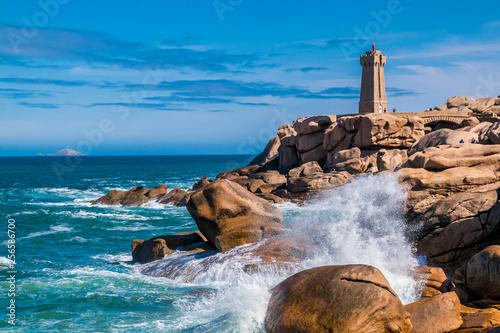 Leinwanddruck Bild Ploumanac'h, Bretagne, France.