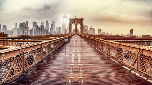 Brooklyn Bridge © Benjamin_State