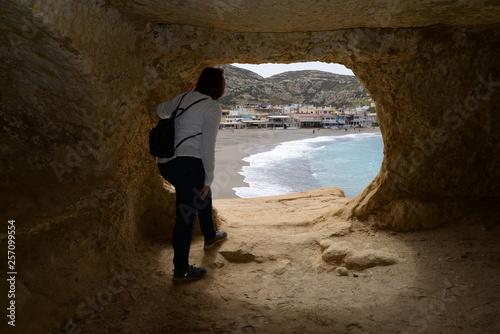canvas print picture Blick aus einer Höhle bei Matala, Kreta