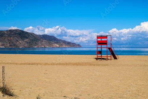 canvas print picture Lifeguardtower on a beach