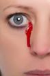 canvas print picture - Nahaufnahme, Frau weint Tränen aus Blut